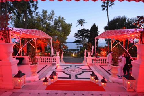 SeaFront gala Red Carpet, Green park, Blue sea & sky - Cannes is yours