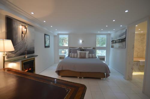 c02.410 Churchill Master suite (1)