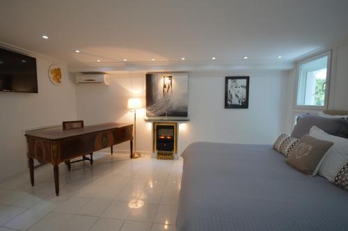 c02.410 Churchill Master suite (2)(2)