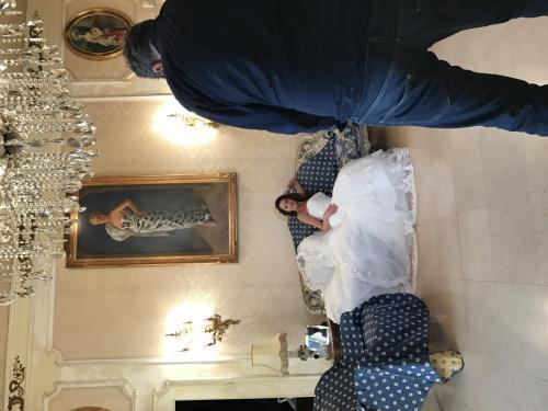 d04.000 wedding dress shoot